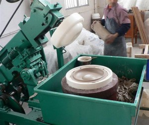 Ceramic cookware manufacture (2)