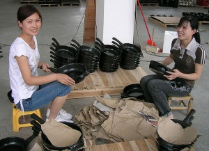 Ceramic cookware manufacture (14)
